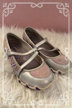 Goede schoenen van Skechers maatje 35