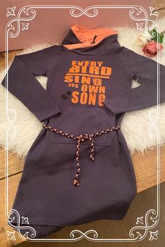 Stoere jurk van Birds donkerblauw met oranje - Maat 152