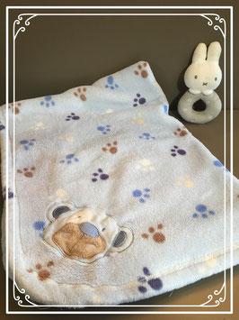 Lichtblauw babydeken met hondenpootjes