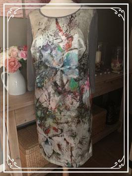 Bijzondere jurk met allerlei kleuren van APANAGE - Maat L
