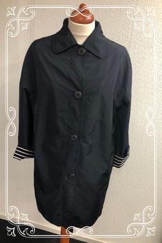Mooie lange zwarte jas van Milo maat 44
