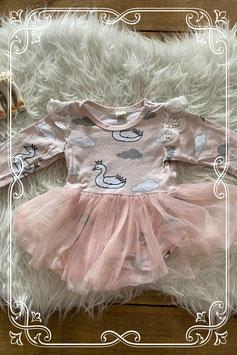 Prachtig roze jurkje met zwaantjes - maatje 62