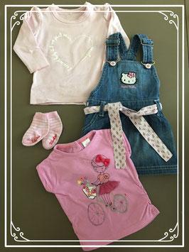Hello Kitty spijker rok met twee shirts en sokjes - Maat 62-68