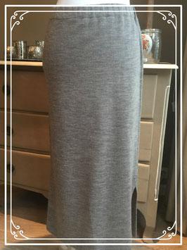 Nieuw: gebreide hippe lange rok - maat S