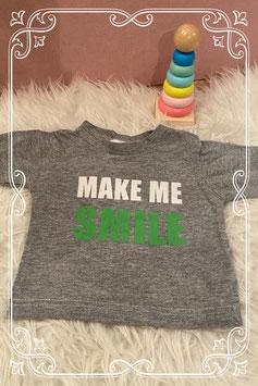 Grijs T-shirtje met leuke tekst - LITTLE ME - MAAT 62-68