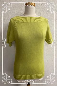 Groene trui met korte mouwen in maat M