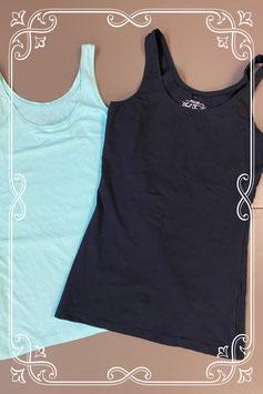 Nieuw! Zwarte en zachtblauwe top van Basic Fashion maat 36