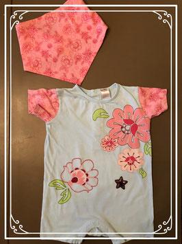 Lichtblauw broekpakje met roze bloemen en ster - Maat 86