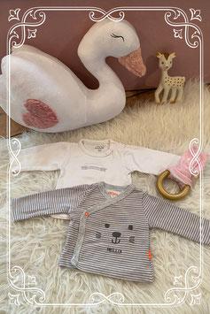 Set van twee shirtjes van de Hema en de Prénatal - maat 50