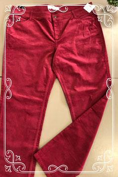 Nieuw! Rode rib broek van Yessica maat 48