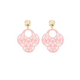 Nieuw: Roze oorbellen met een mooie hanger en een goudkleurige oorsteker van Yehwang