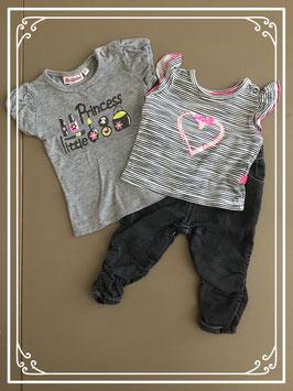 8642de132fb Grijze set met broek en twee shirts - Maat 62-68