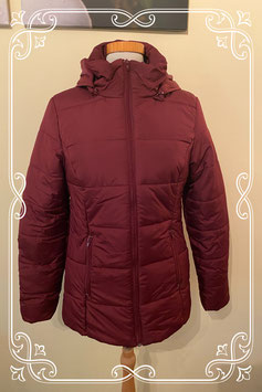 Warme bordeaux kleurige winterjas van Casual Ladies Maat M