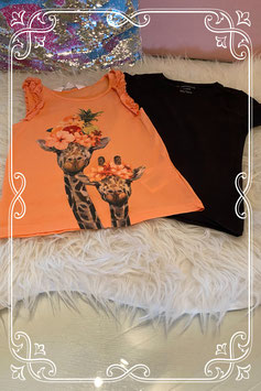 Oranje hemdje van H&M en zwart shirt van Zeeman maat 98/104