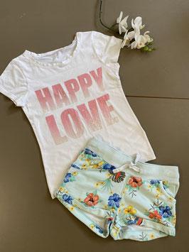 Leuk shirt en stoere short van H&M in maat 122/128