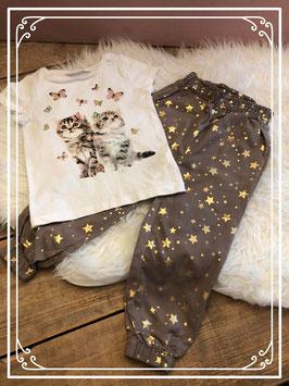 Bruine broek met wit T-shirt van de H&M en BPC - Maat 98/104