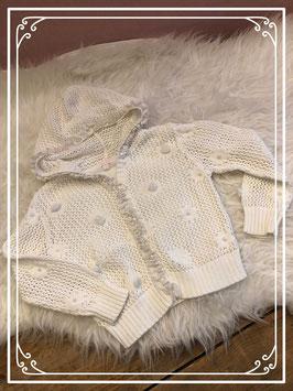 Wit geborduurd vestje van Petit Boy - Maat 74
