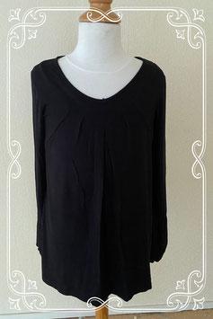 Zwart shirt met pof mouwtjes maat S