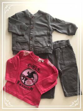 Grijs comfipak met roze shirt - Maat 68