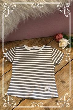 Grijs/wit horizontaal gestreept shirt van Lofff - Maat 104