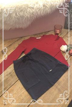 Rood shirt van RM met donkerblauw rok van ZERO (zo goed als nieuw) - Maat 140