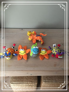 Dierenslinger en giraffe knuffeltje van PlayGo