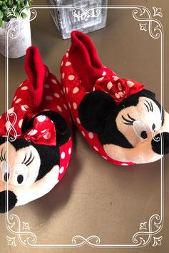 Super leuke Minnie Mouse sloffen maat 28