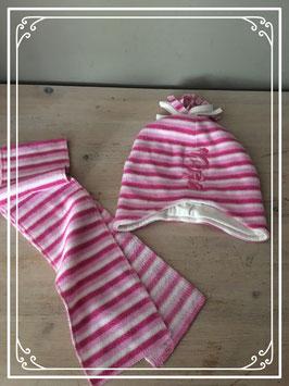 Roze gestreept sjaaltje en mutsje
