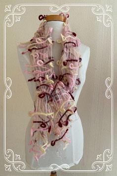 Vrolijke sjaal met fransjes