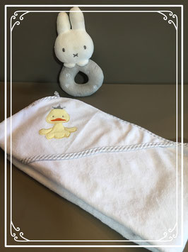 Vierkant witte handdoek met op punt een eendje