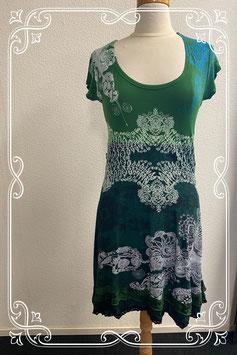 Leuk jurkje in groentinten van Desigual maat XL