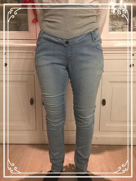 Lichtblauwe skinnyjeans mama broek van L2W - Maat 32