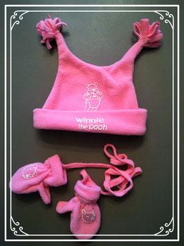 Roze mutsje met wantjes van Winnie the Pooh - voor een meisje van 1 jaar