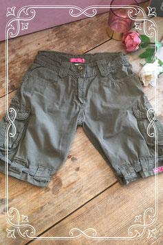 Legergroene broek van Muy Malo - Maat 140