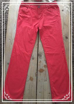 Nieuw: Rode lange broek - Maat 48
