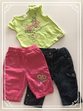 2 broeken met groen T-shirt - Maat 74