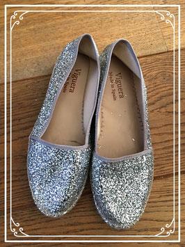 Nieuw: espandriel met zilver glitters van Viguera - maat 38