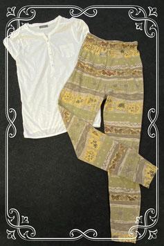 Mooi wit shirt van het merk Yessica en legging in maat S