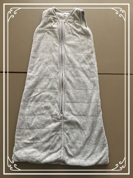 Slaapzak grijs met gestikt ruitenpatroon merk hema - maat 68-80