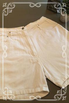 Leuke korte witte broek maat 46