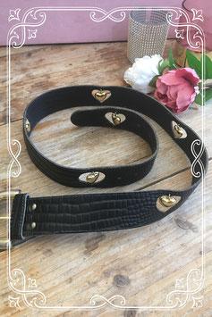 Zwarte riem met slangenprint en hartjes