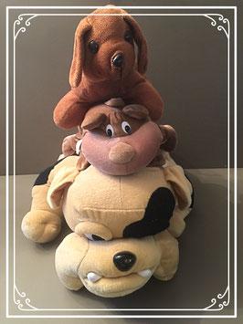 Drie hondenknuffels