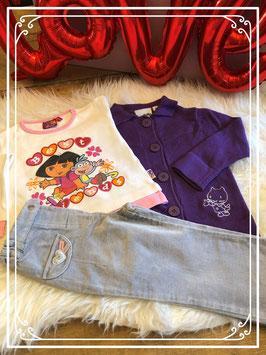 Driedelig setje:  paars vest - wit T-shirt van Dora en een grijze velours broek - maat 86-92