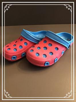 Nieuw: Rood/blauwe look a like Crocs - Maat 34