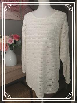 nieuw: Witte trui met gaatjes - Maat XL