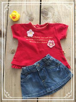 Rood t-shirtje met spijkerrokje - Maat 62