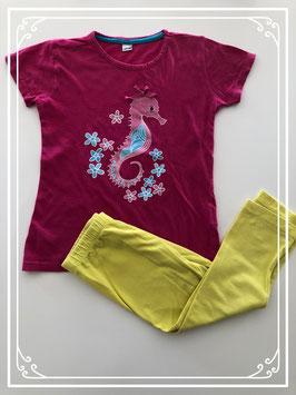 Roze/gele pyjama met een zeepaardje - Maat 122-128