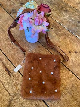 Nieuw: Een bruine Bag Pearls and Fur schoudertas van Yehwang