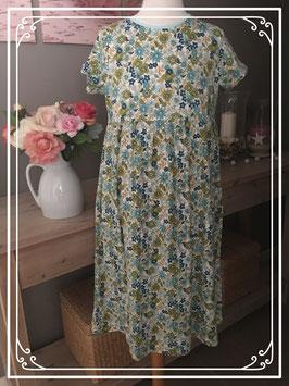 Nieuw: jurkje met bloemen print - maat 152