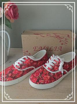 Nieuw: vlotte sneakers met rozenmotief van Emilia - maat 40